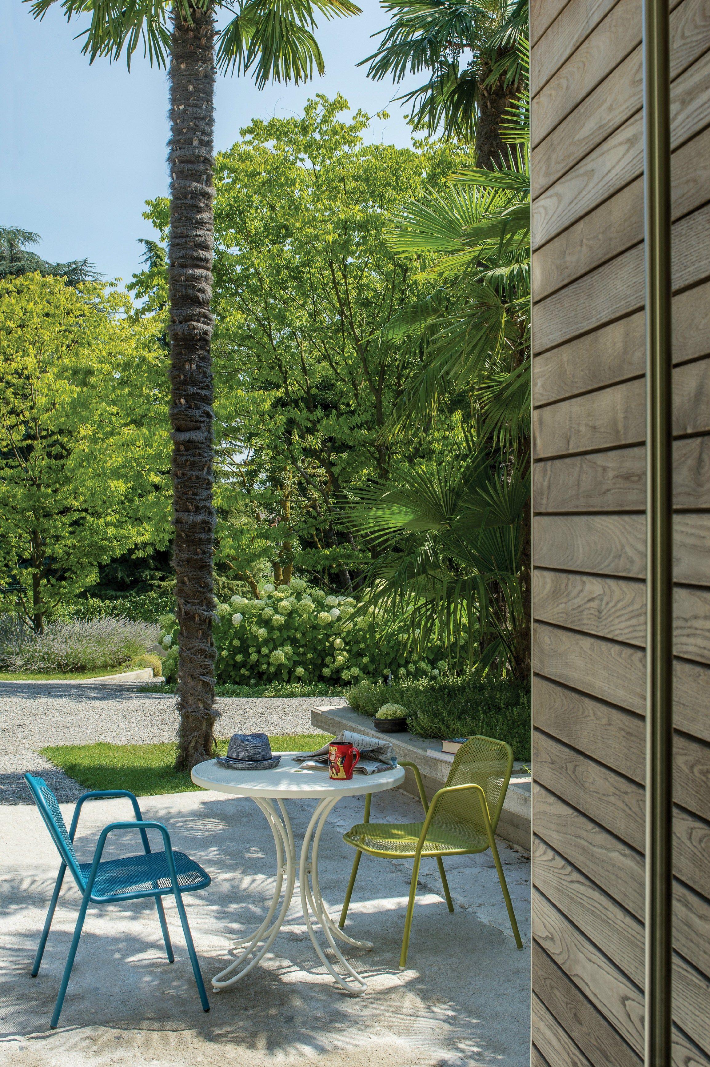 Florence table de jardin by emu group design emu research centre - Table jardin emu rennes ...