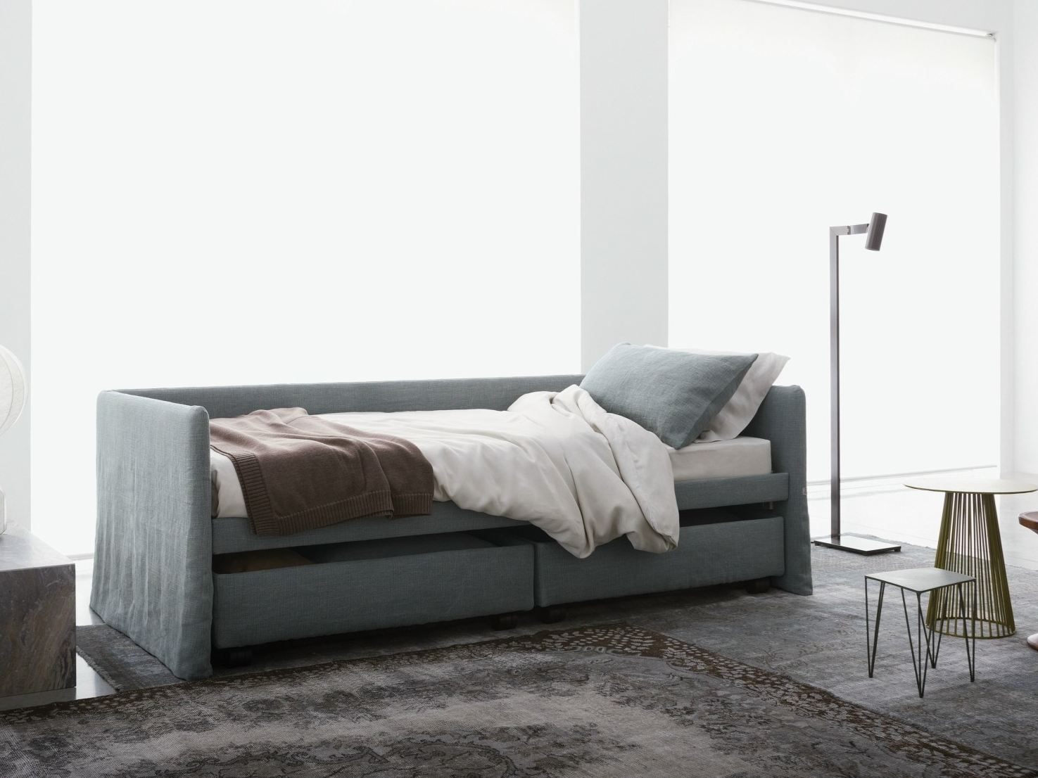 Letto dormeuse in tessuto duetto by flou for Duetto flou