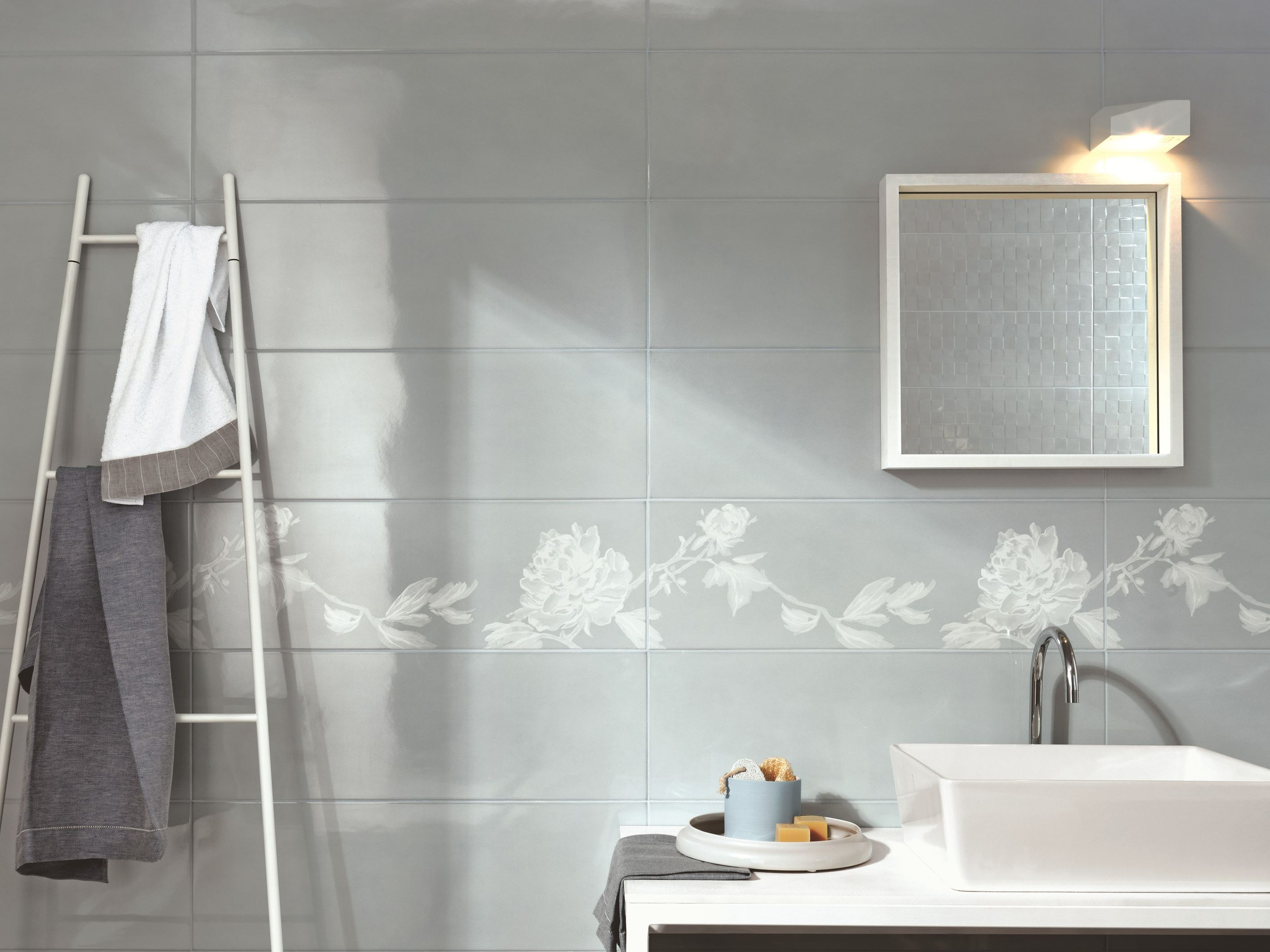 White paste wall tiles handmade by ragno for Carrelage mural cuisine mosaique