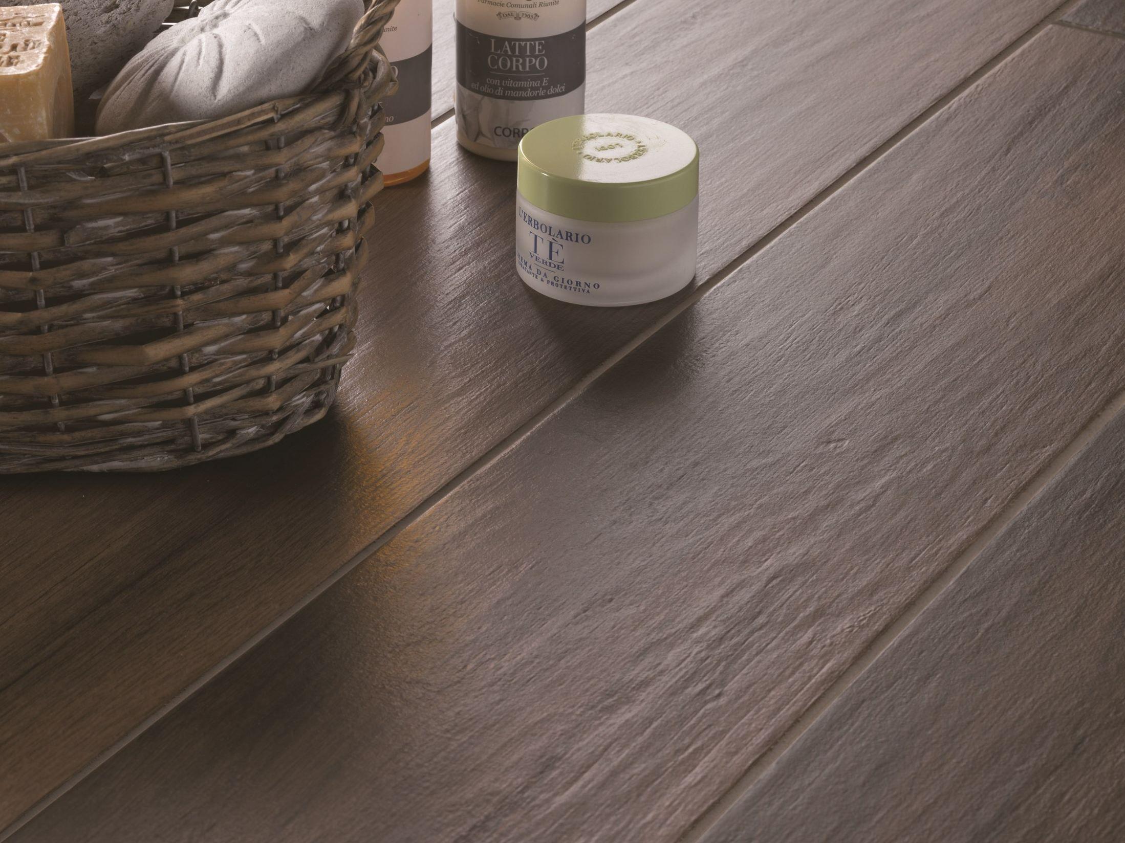 Pavimento de gres porcel nico esmaltado imitaci n madera for Pavimento imitacion madera