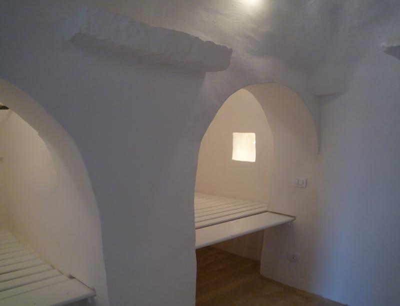 Pitture per interni ed esterni pitture e tinte naturali - Vernice per muro interno ...