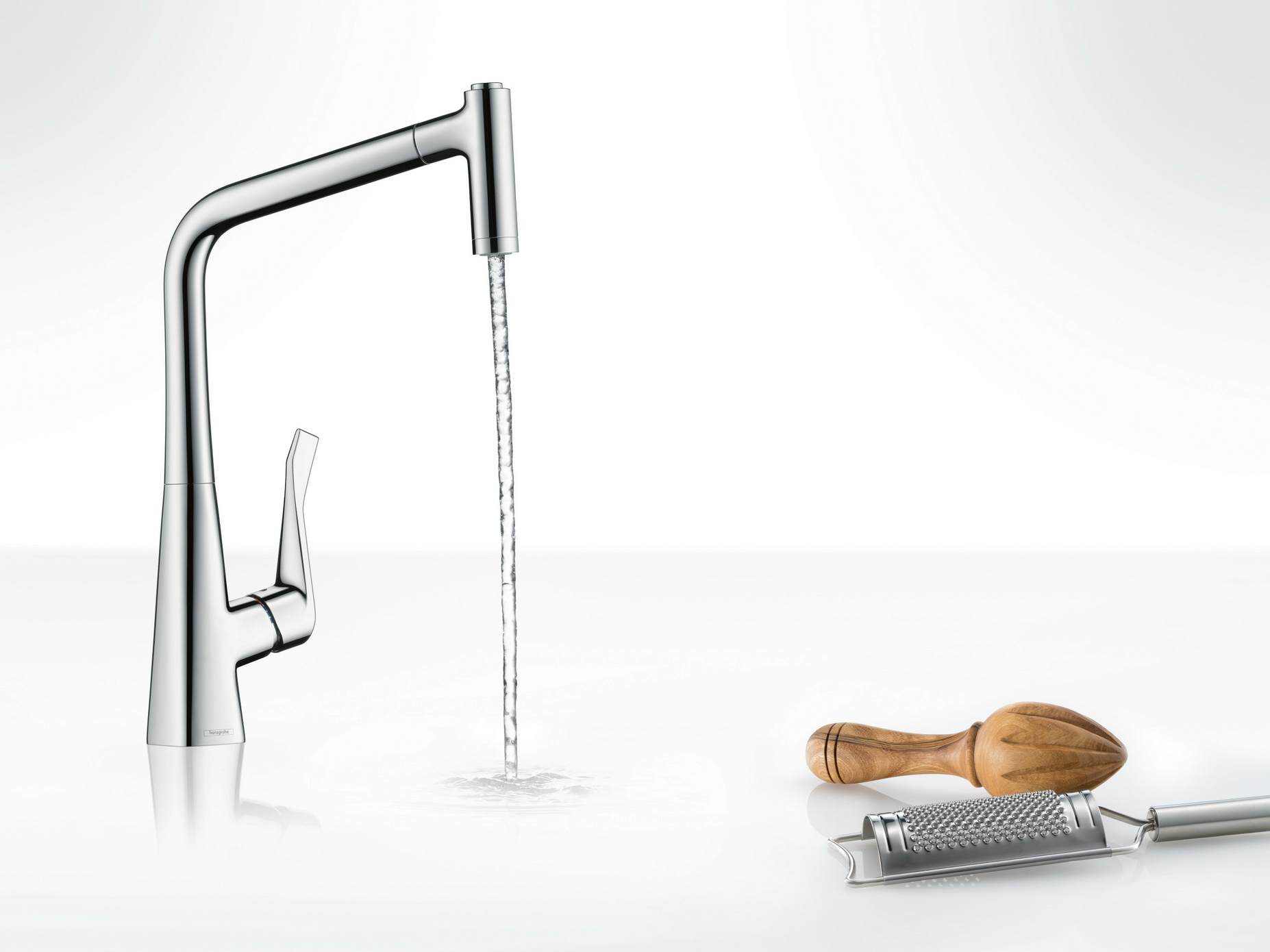 Metris robinet de cuisine chrome by hansgrohe design for Robinet cuisine hansgrohe