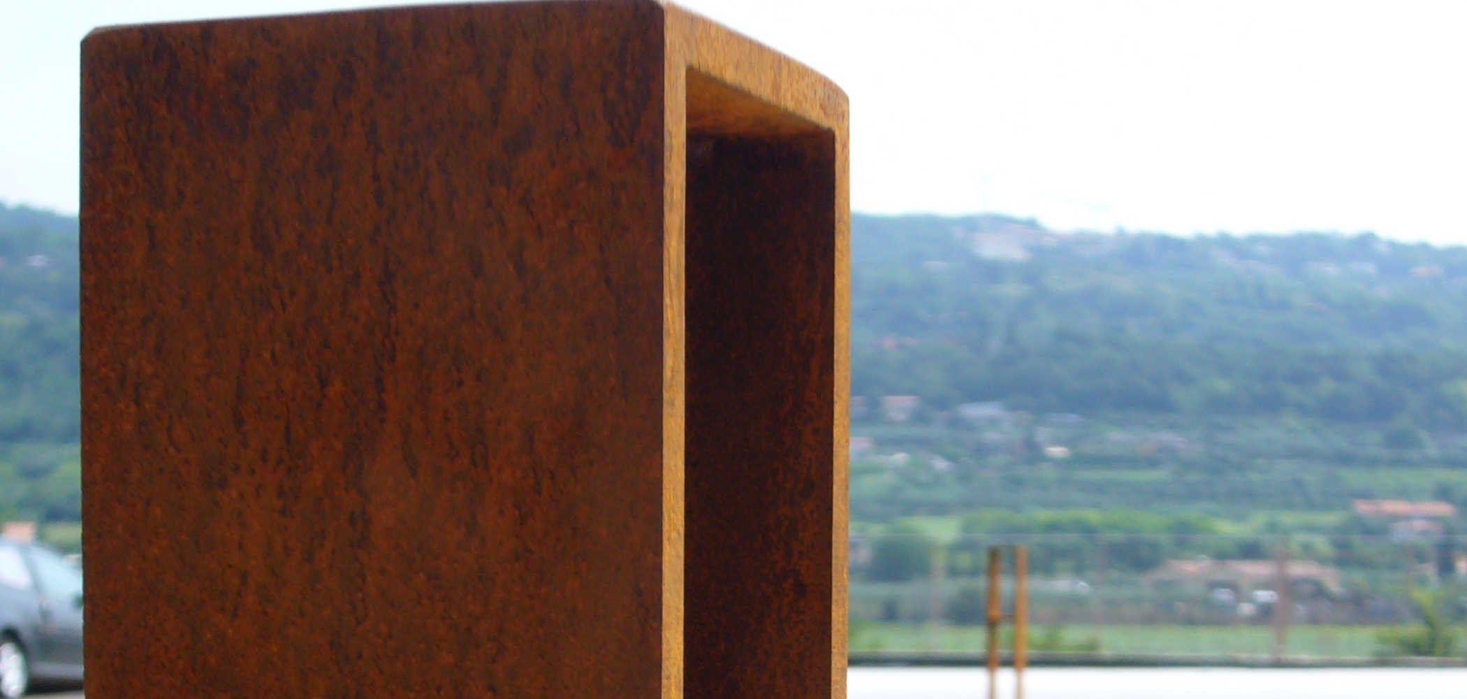 corten bollard post with base plate moka by metalco. Black Bedroom Furniture Sets. Home Design Ideas