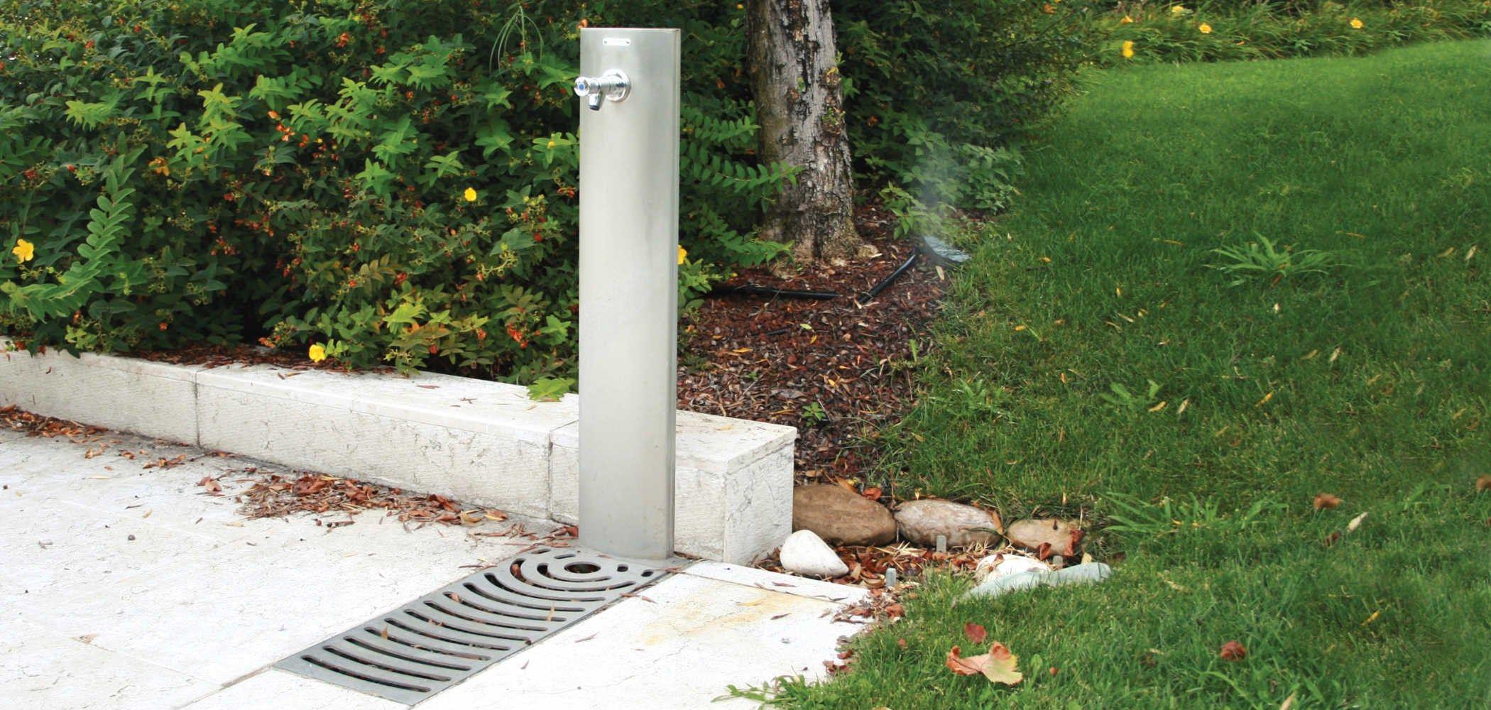 Fontanella in acciaio fuente by metalco design raffaele - Fontana da giardino moderna ...