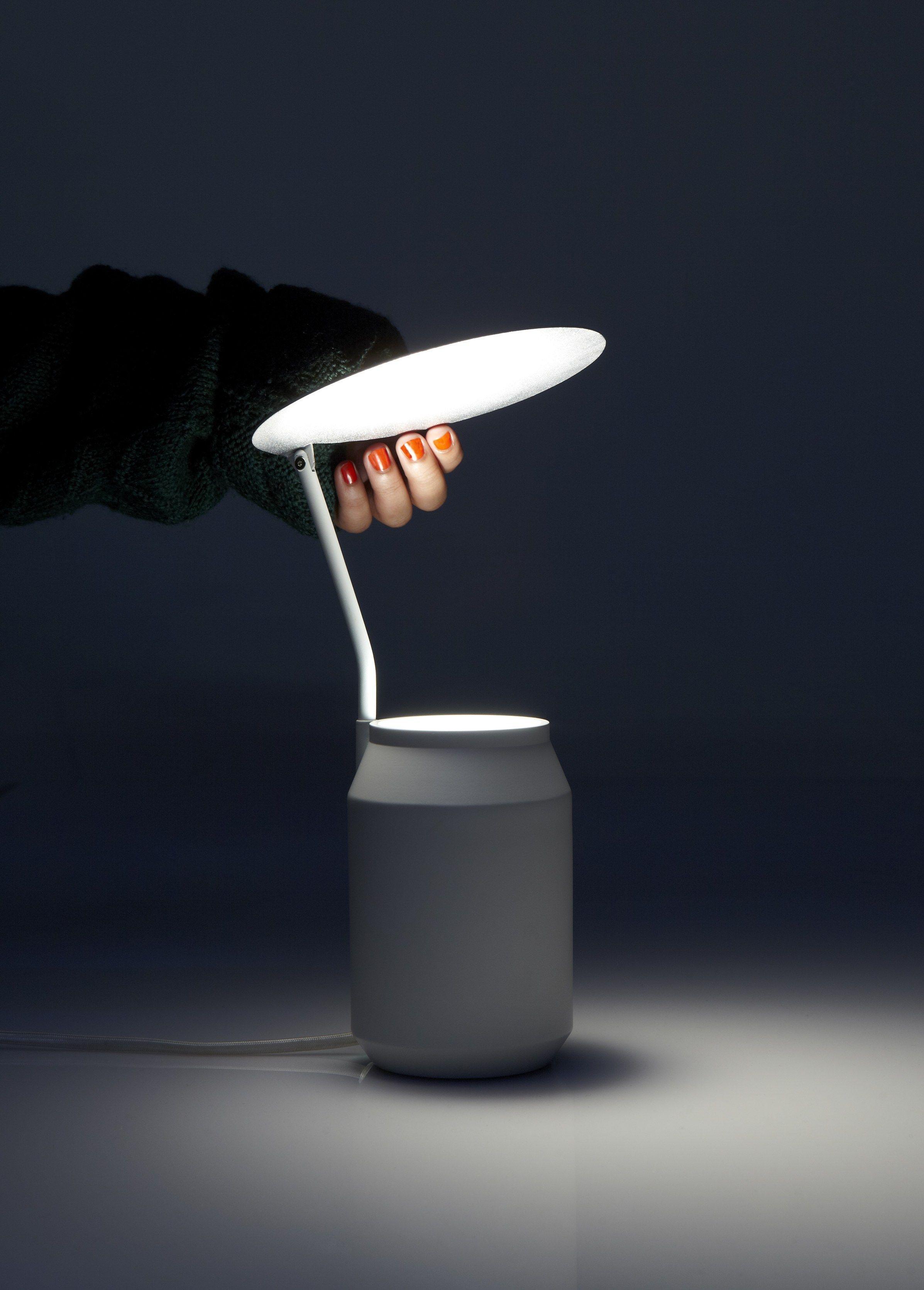 lampe de table pour clairage indirect lens by forestier design arik levy. Black Bedroom Furniture Sets. Home Design Ideas
