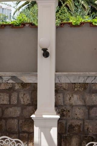 colonne en b ton arm pilier by maresca. Black Bedroom Furniture Sets. Home Design Ideas