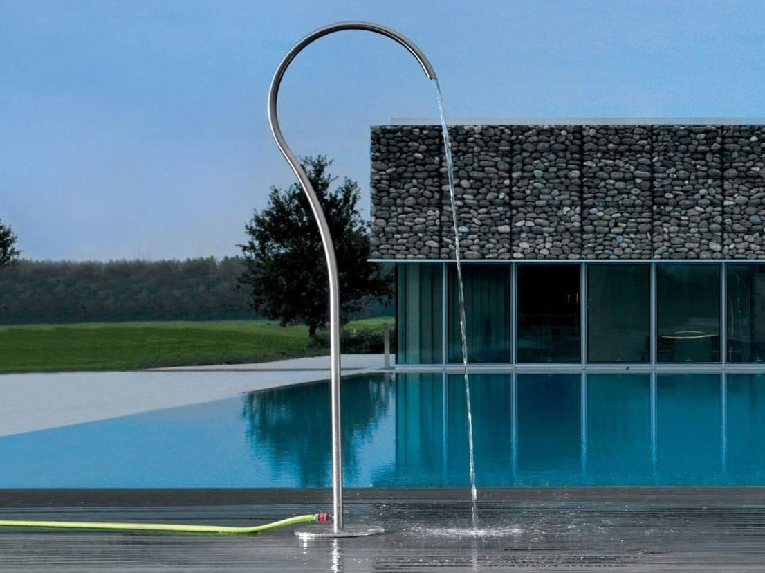 doccia esterna in acciaio inox quiz by metalco design. Black Bedroom Furniture Sets. Home Design Ideas