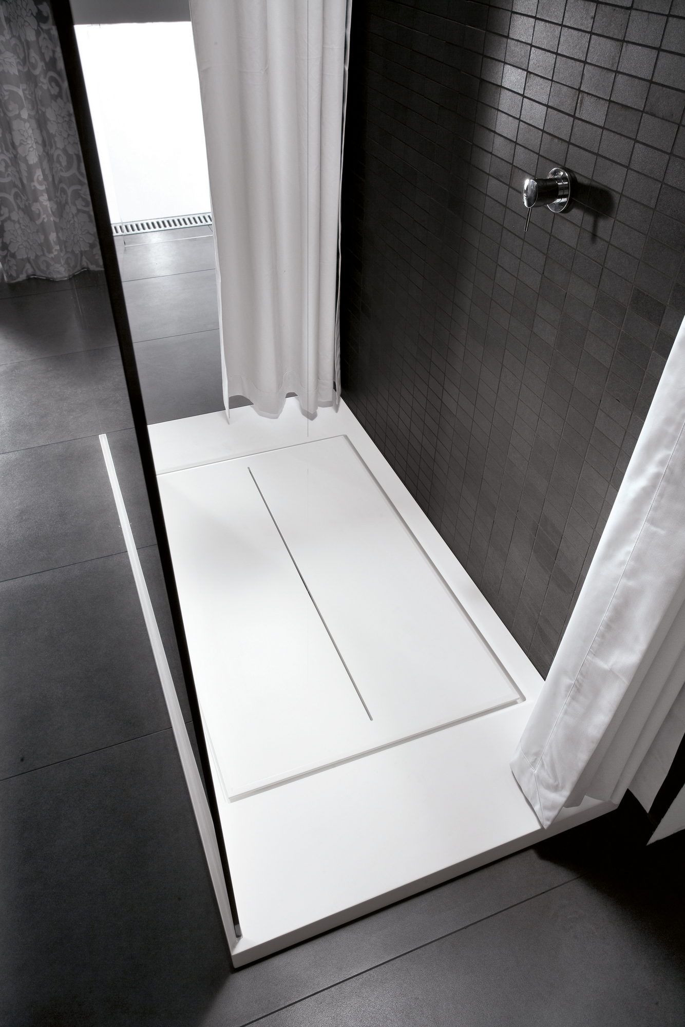 Walk in shower tray by ideagroup for Walk in shower tray