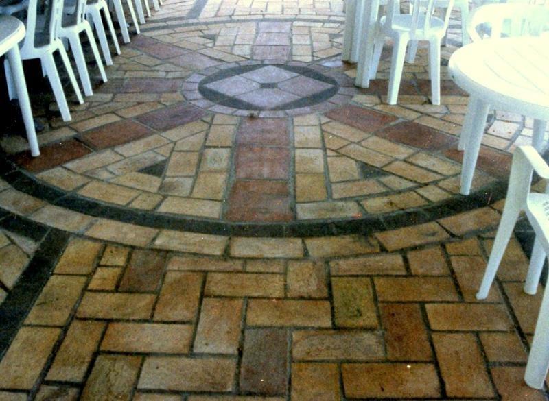 Carrelage ext rieur en terre cuite by mattone romano for Carrelage terre cuite exterieur