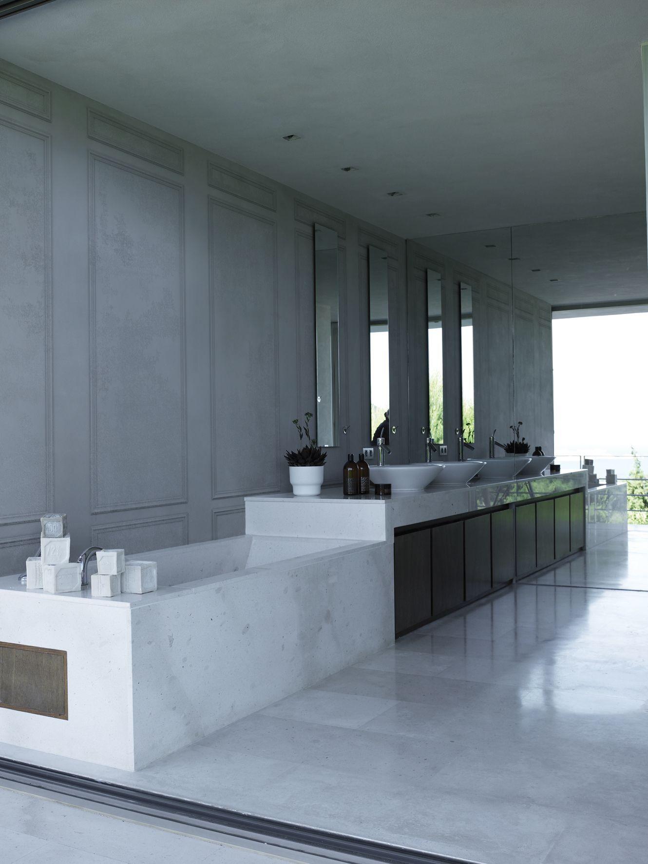 Papier peint aspect bois trompe l 39 oeil pour salle de bain - Trompe l oeil salle de bain ...