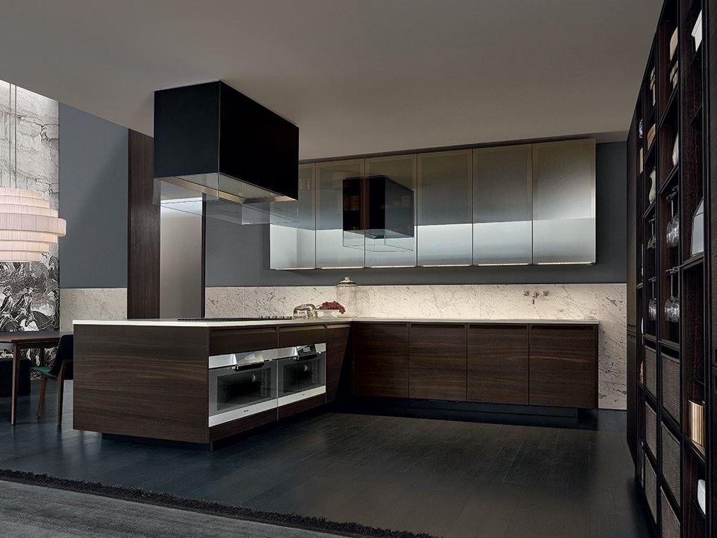 Oak fitted kitchen minimal by varenna by poliform for Oak fitted kitchen