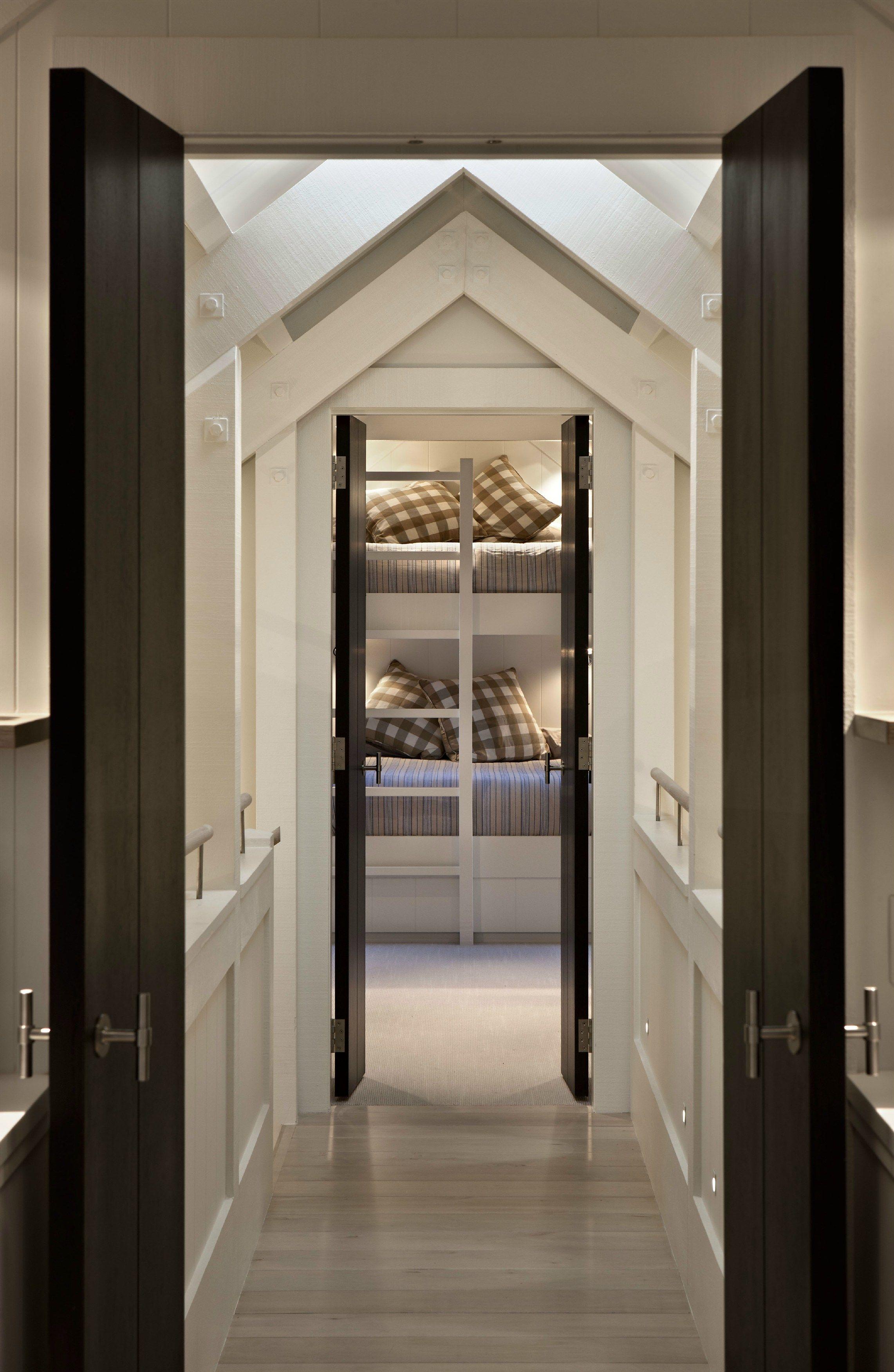 One Door Handle On Rose By Formani Holland B V Design