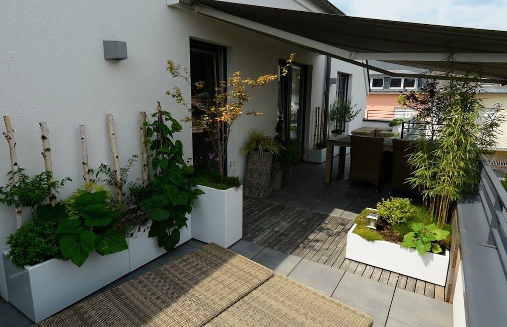 balkon ideen gestaltung urban gärtnern weiß quadrat