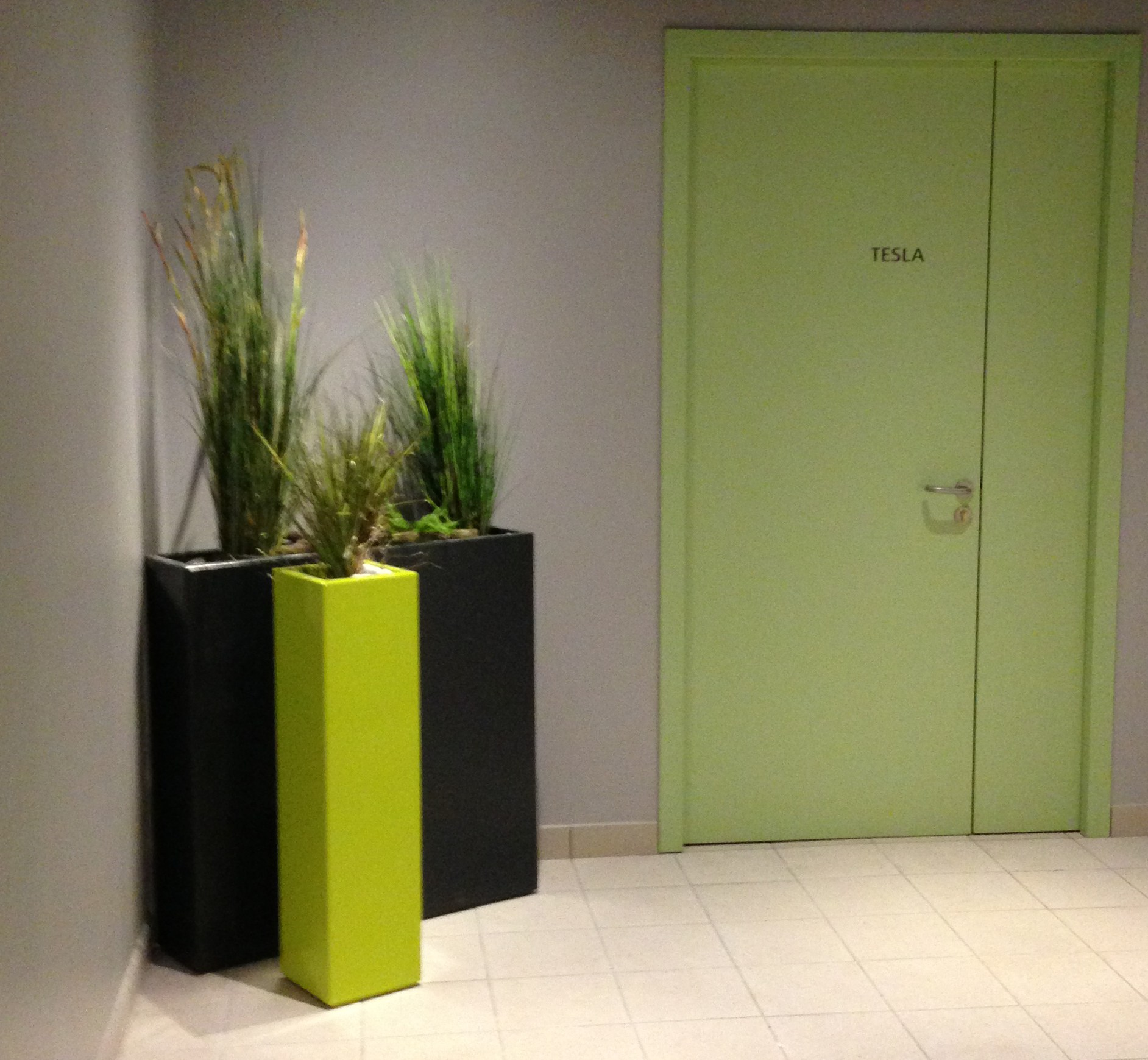 jardini re en fibre ciment bacs indoor sur roulettes by. Black Bedroom Furniture Sets. Home Design Ideas