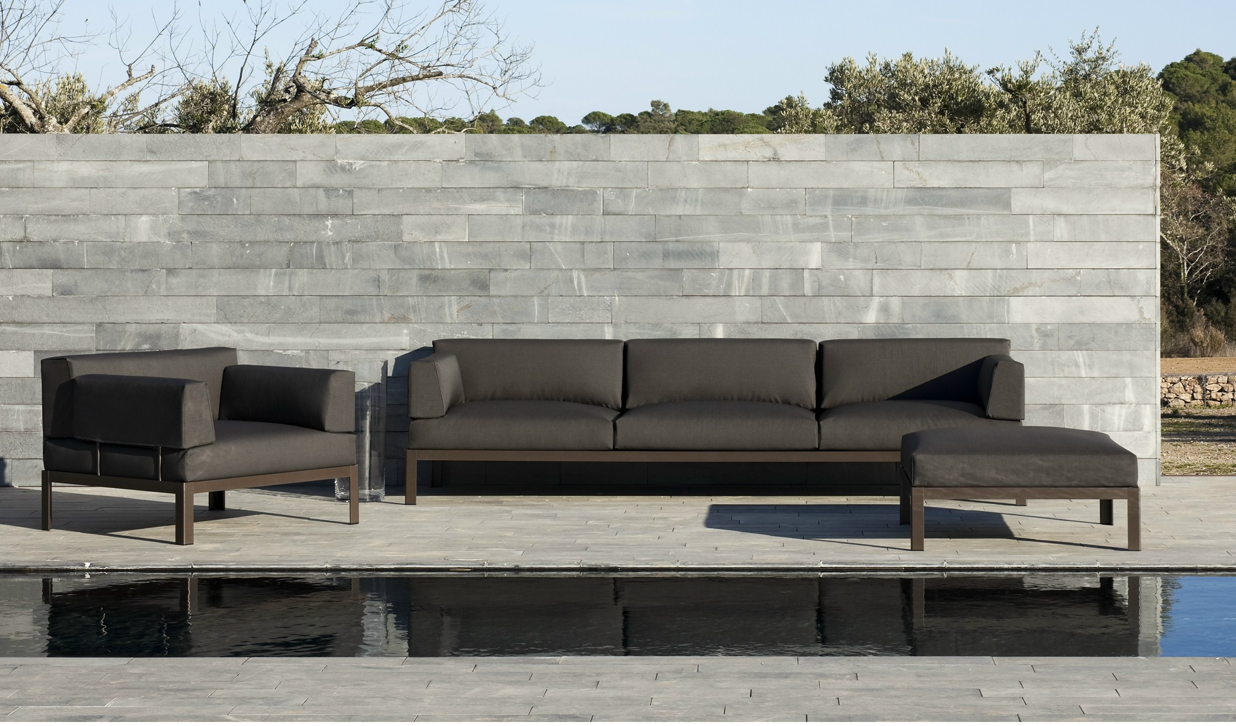 Sof tapizado modular para jard n colecci n nak by bivaq for Sofa modular jardin