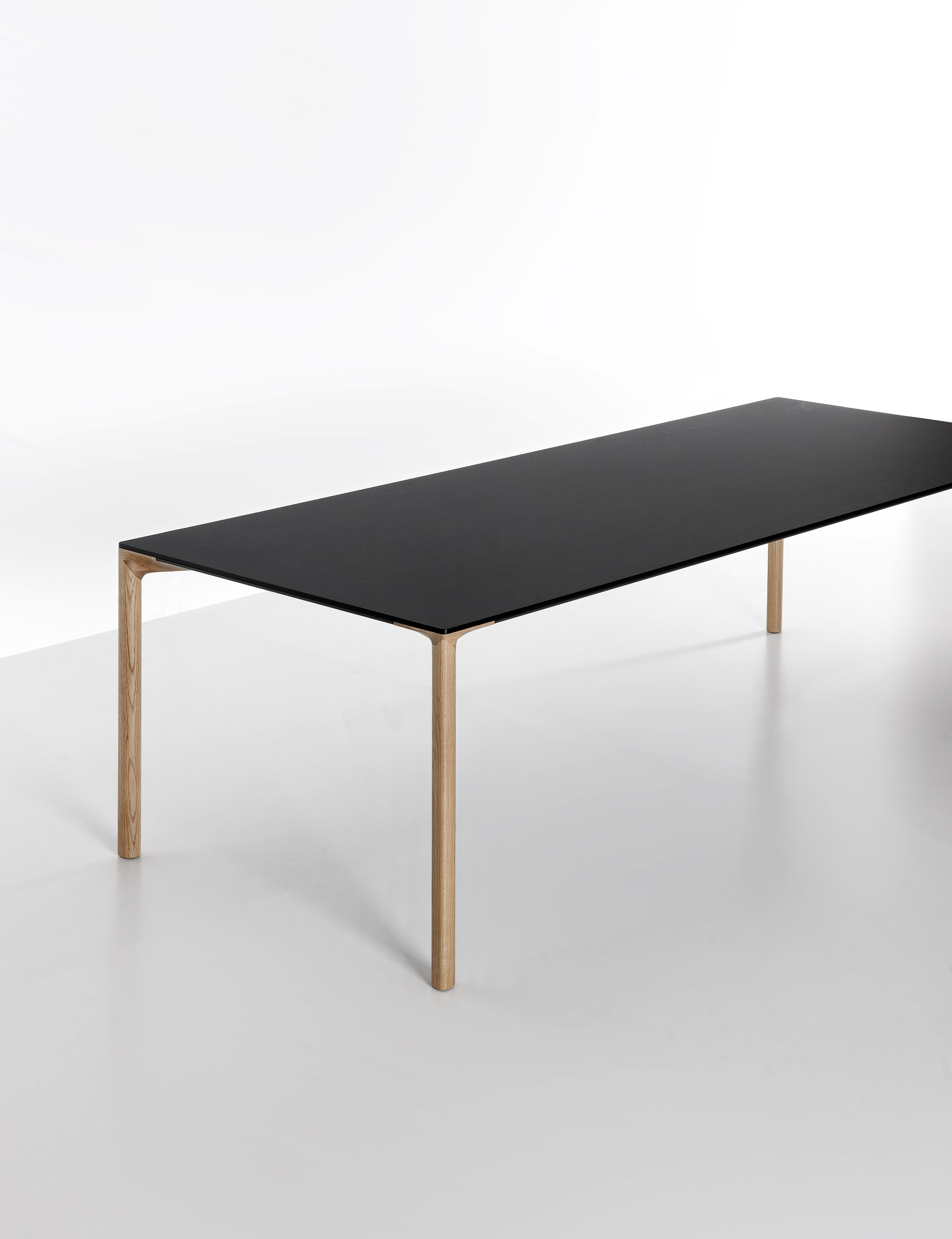Table rectangulaire boiacca wood by kristalia design for Table kristalia