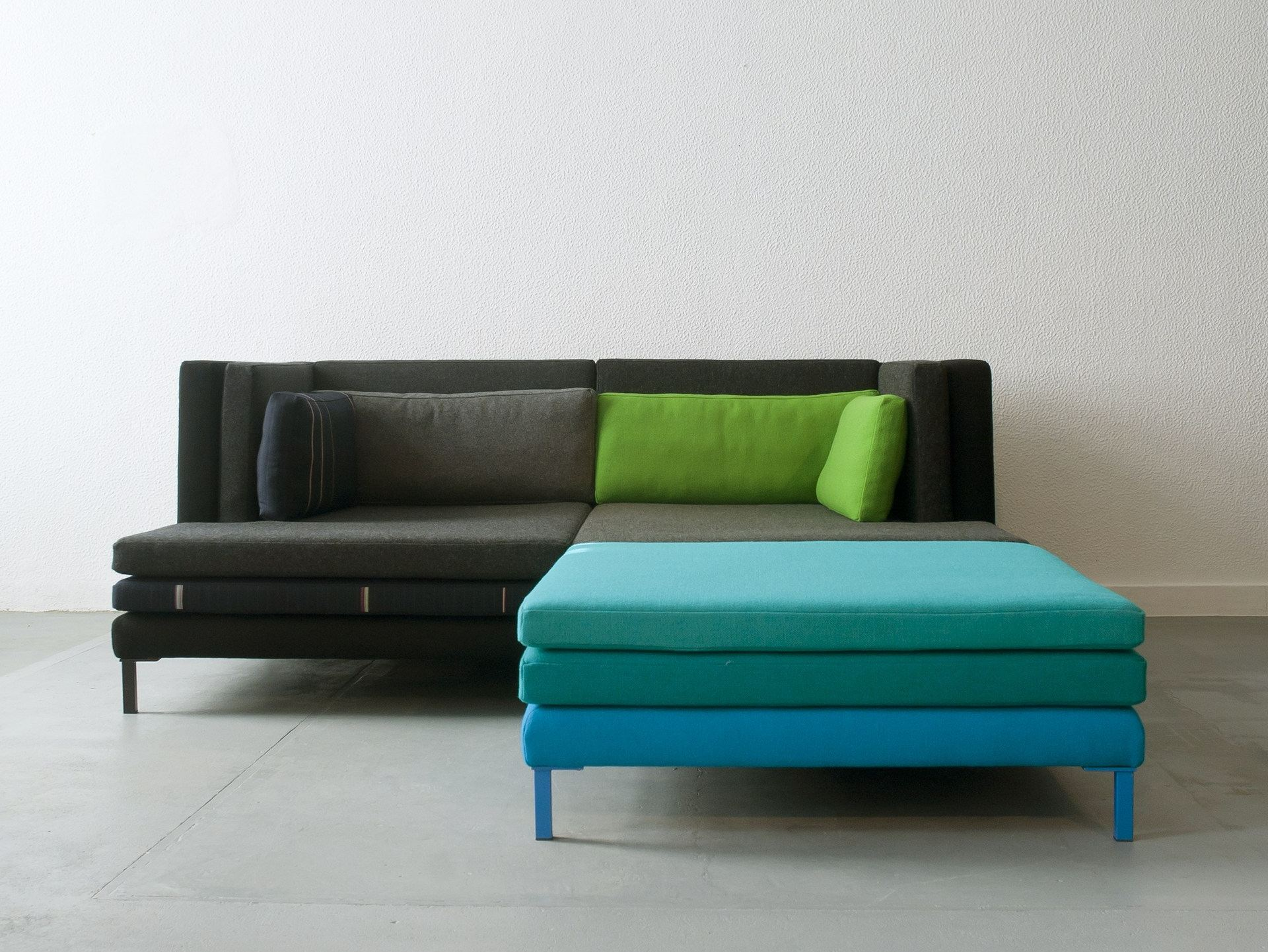 Canap modulable en tissu layer by branca lisboa design for Canape modulable
