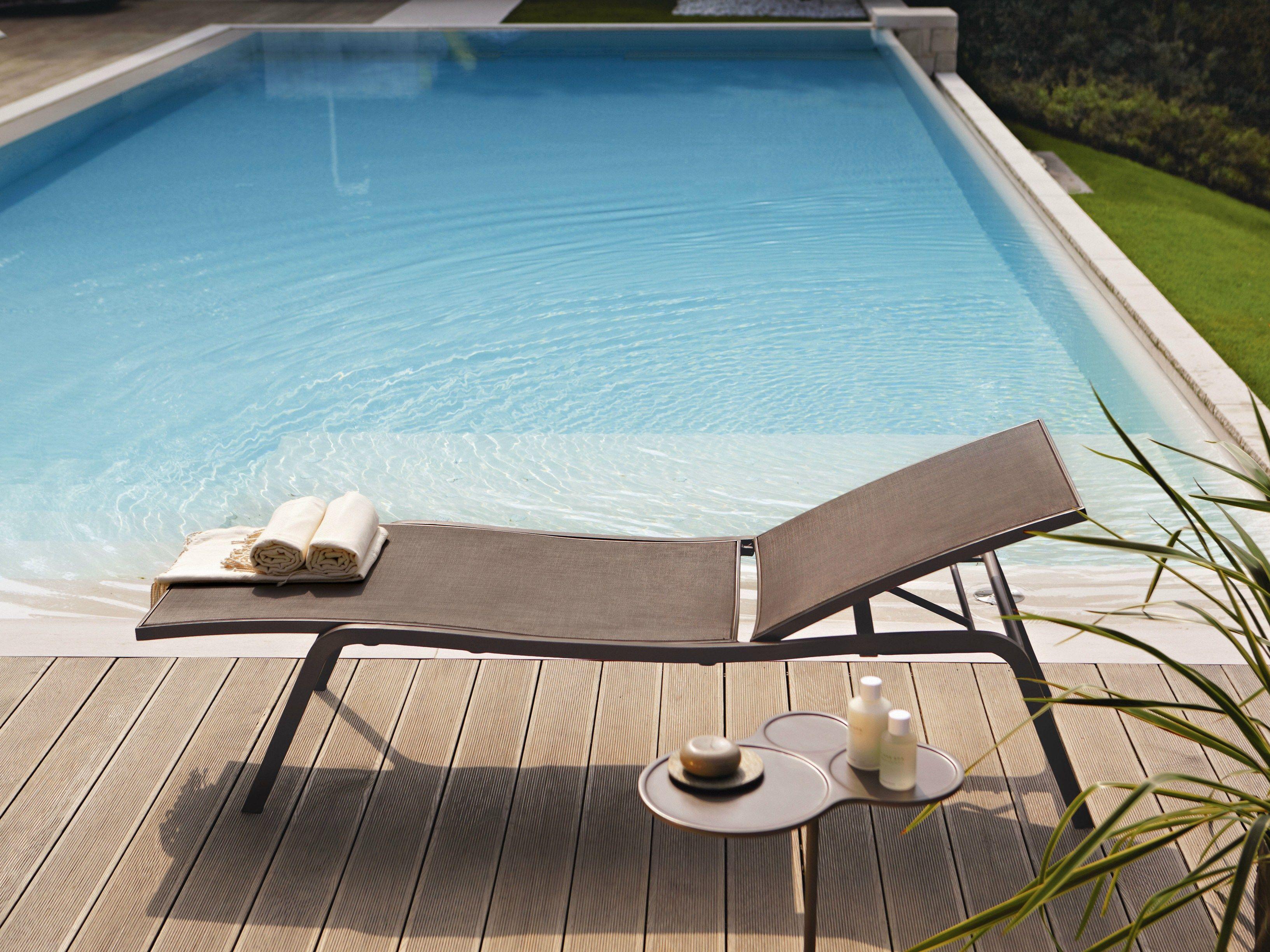Lettino da giardino impilabile reclinabile collezione for Lettino a dondolo da giardino