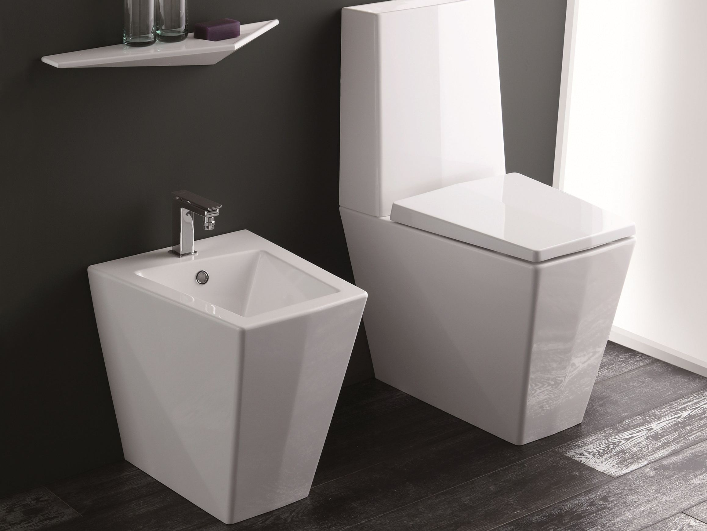 bidet de salle de bain les derni res id es de design et int ressantes appliquer. Black Bedroom Furniture Sets. Home Design Ideas