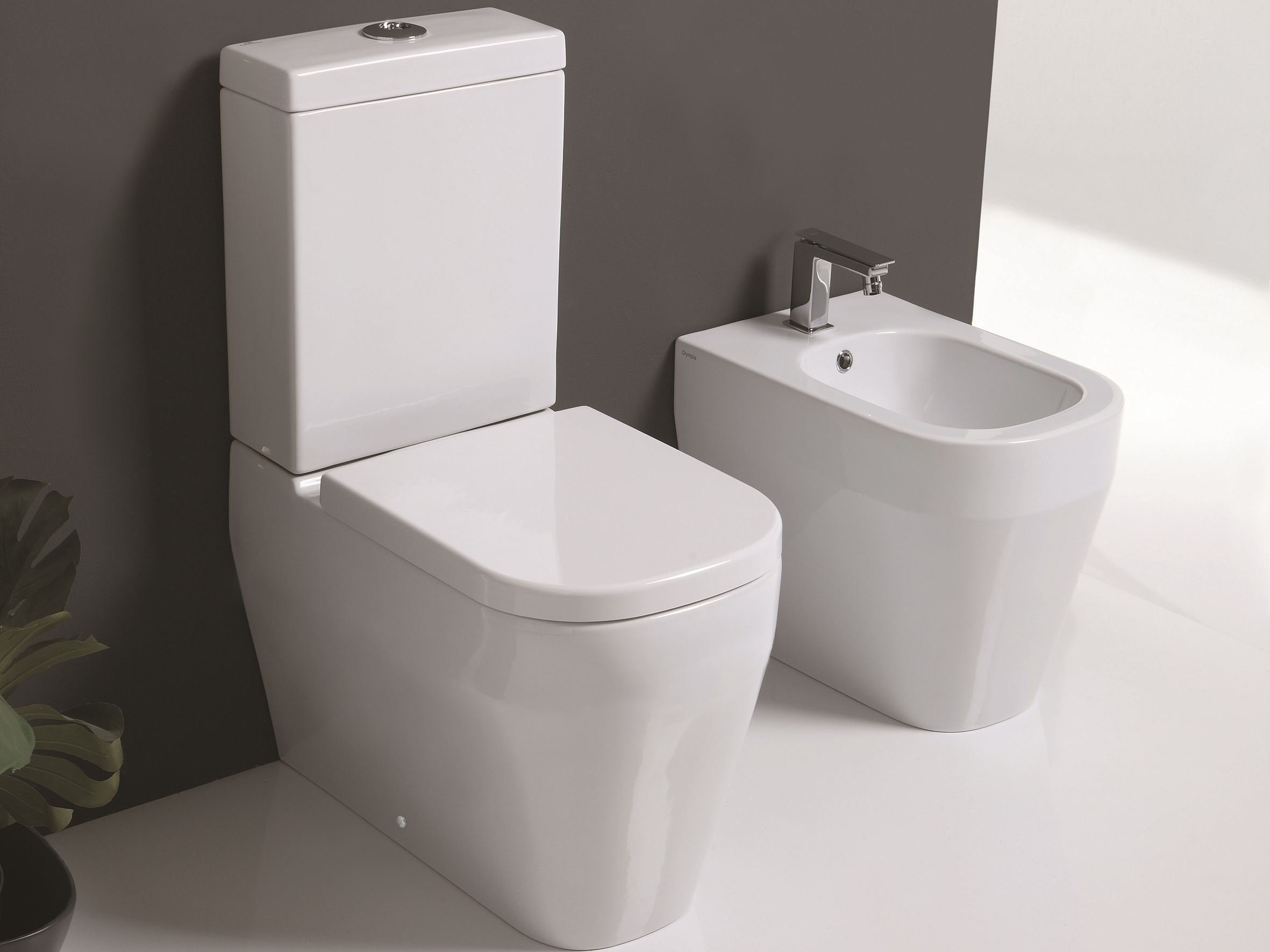 tutto evo close coupled toilet by olympia ceramica. Black Bedroom Furniture Sets. Home Design Ideas