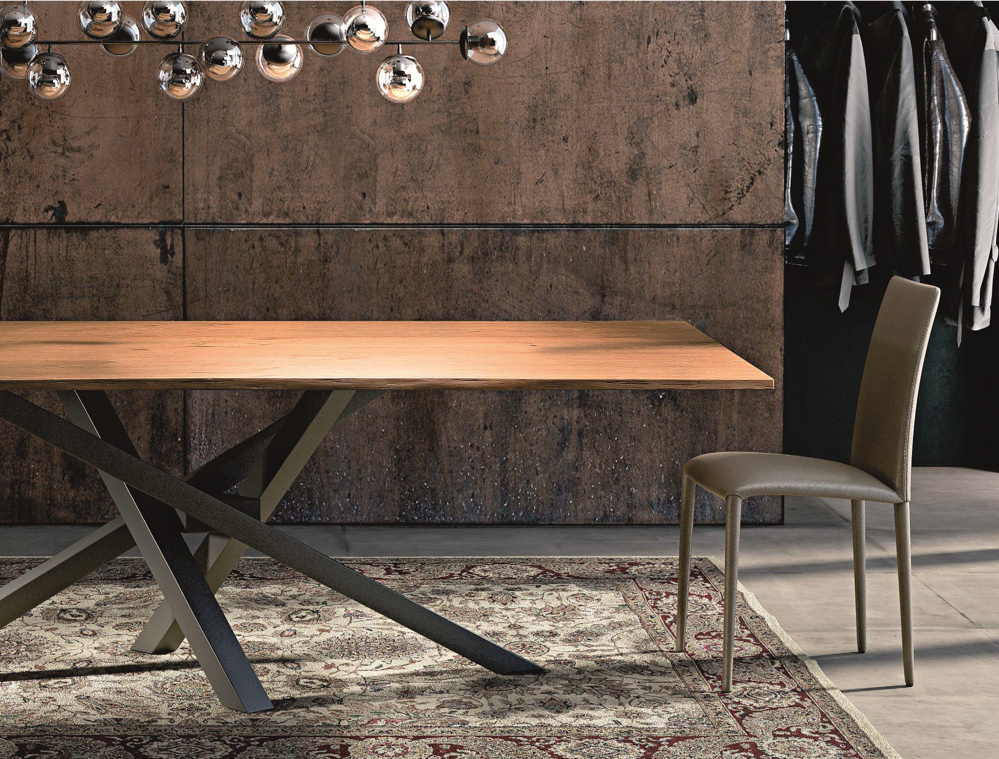 SHANGAI Tisch aus Edelstahl und Holz by RIFLESSI