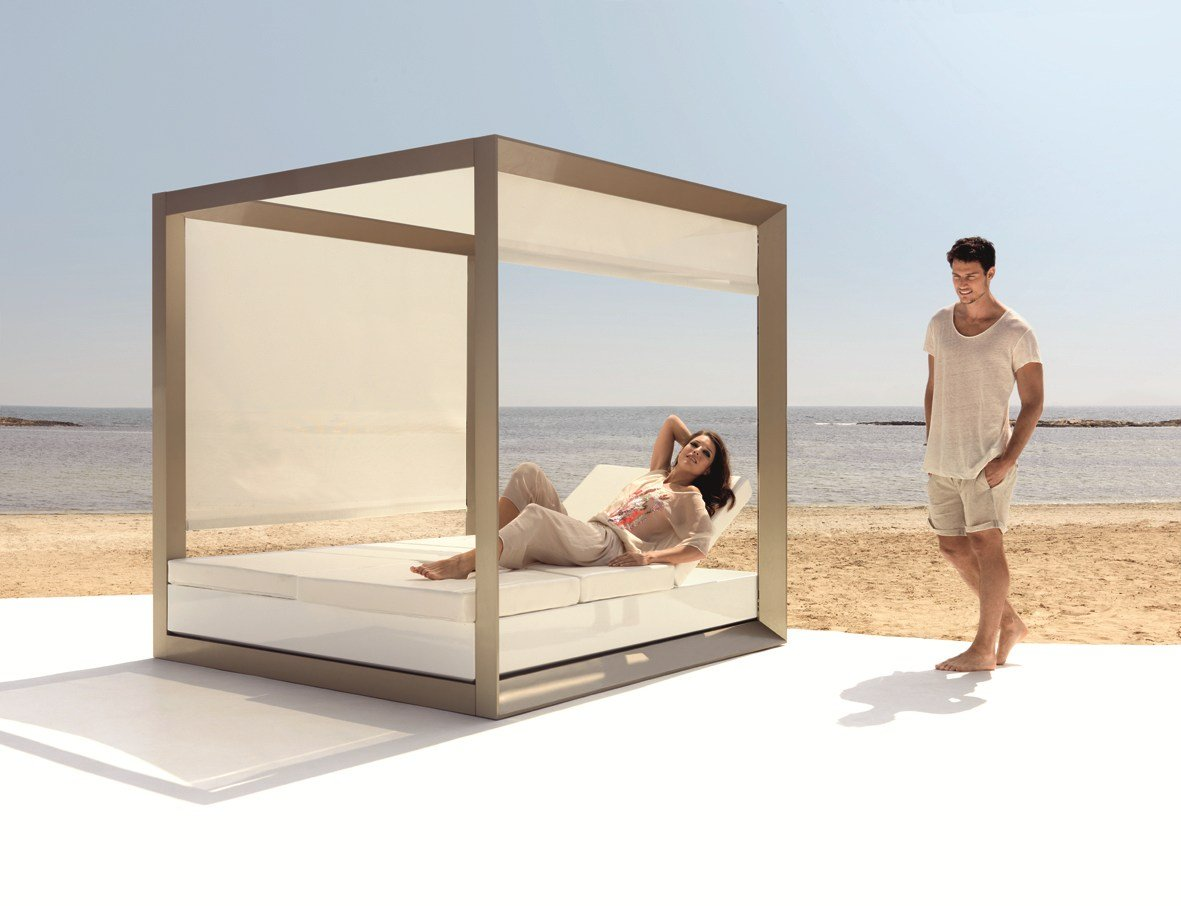 verstellbares garten doppelbett daybed vela by vondom. Black Bedroom Furniture Sets. Home Design Ideas