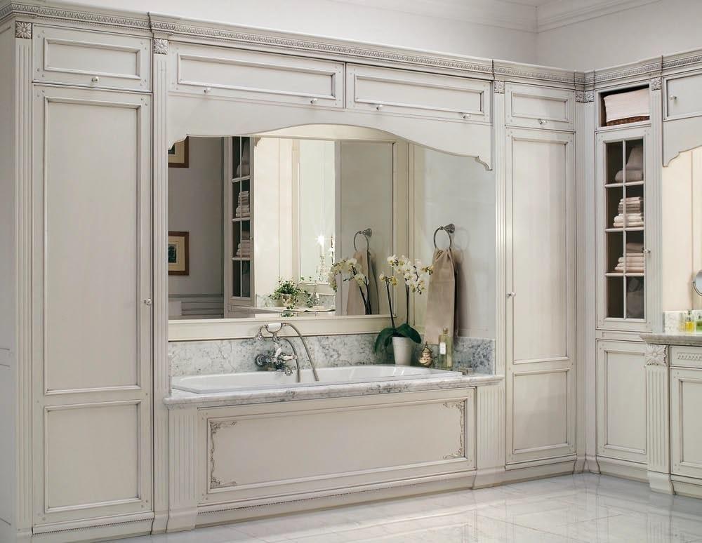 Arredo bagno completo in legno massello in stile veneziano for Arredo bagno completo prezzi