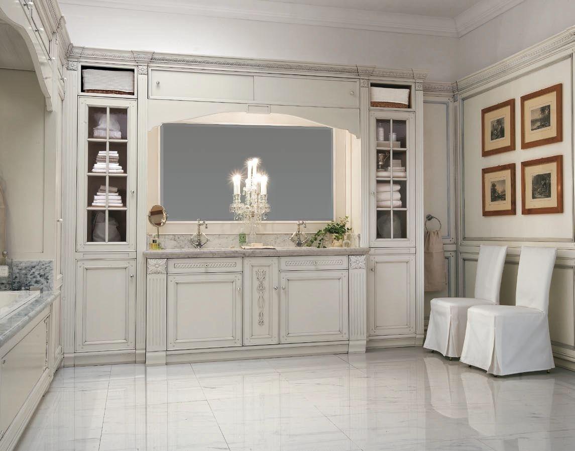 Arredo bagno completo in legno massello in stile veneziano for Arredamento veneziano