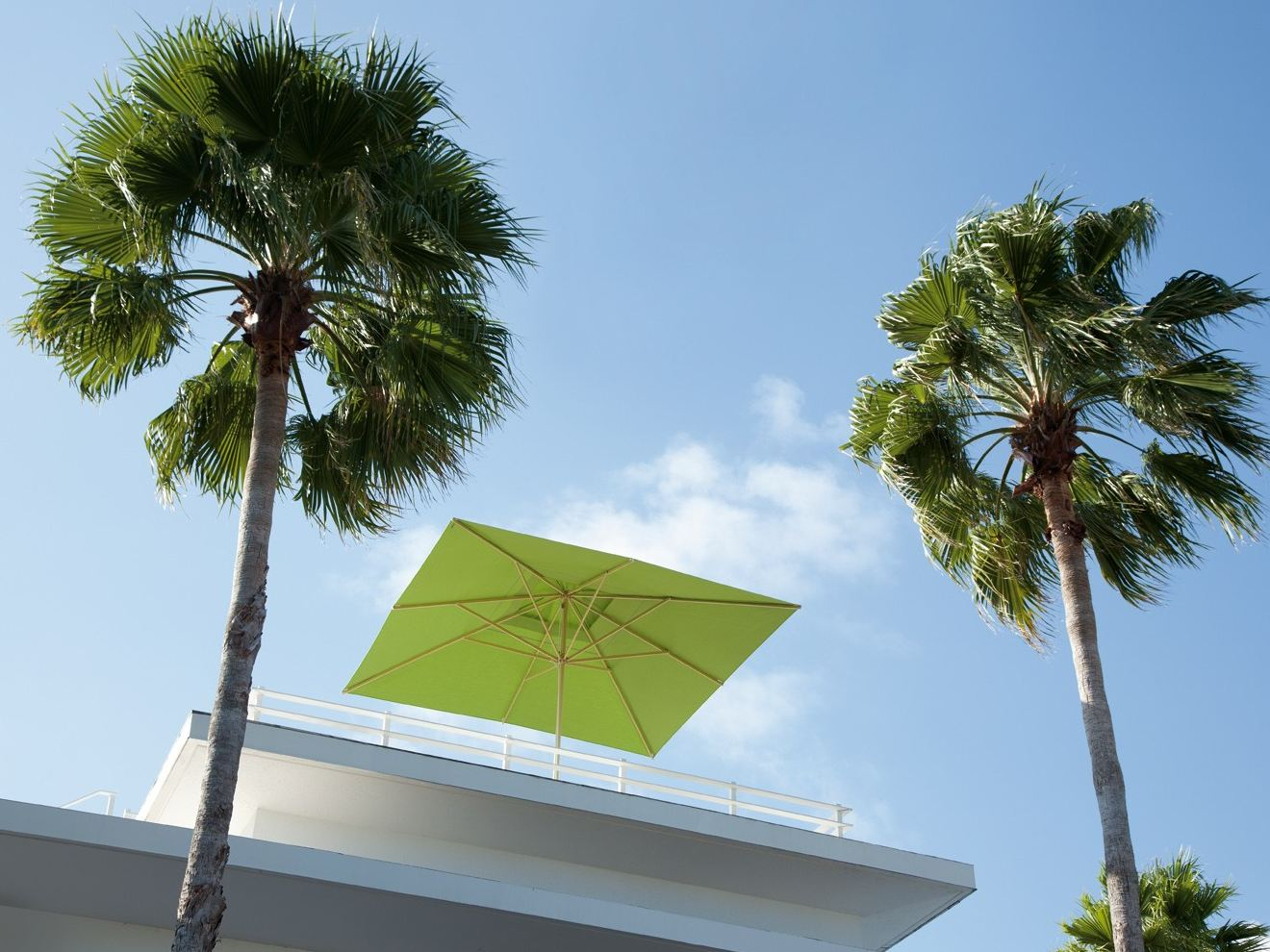 ombrellone quadrato primus ombrellone quadrato michael caravita. Black Bedroom Furniture Sets. Home Design Ideas