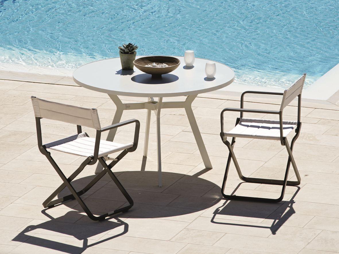 Tavolo In Ferro Da Esterno Bianco Arredamento Giardino Pictures To Pin  #3D798E 1181 885 Ikea Tavolini Da Salotto