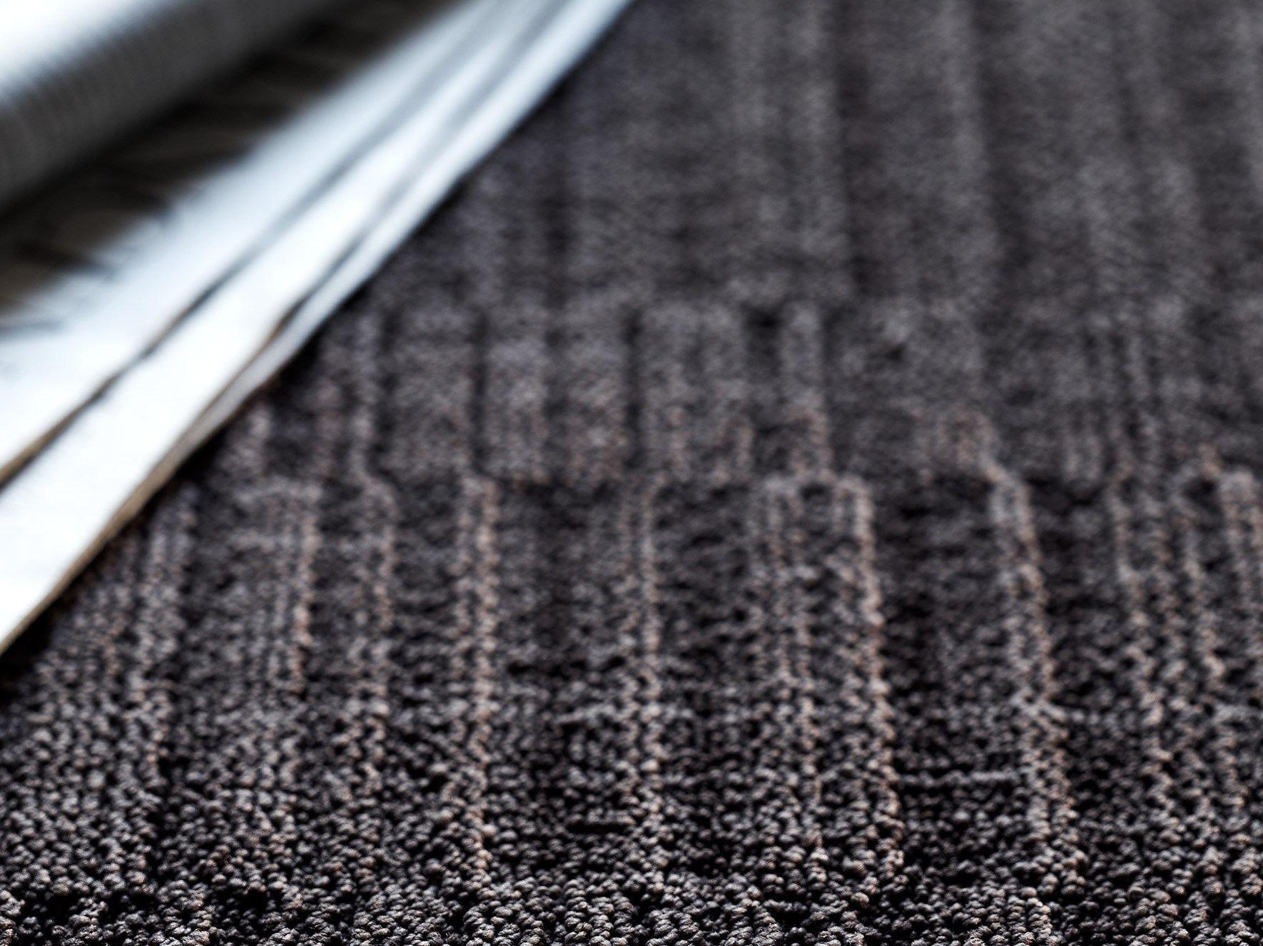 Moquette motifs g om triques savoy 1100 by object carpet for Moquette motif geometrique