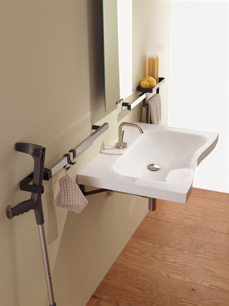 Lavabo consola con toallero flat colecci n family by for Toallero lavabo