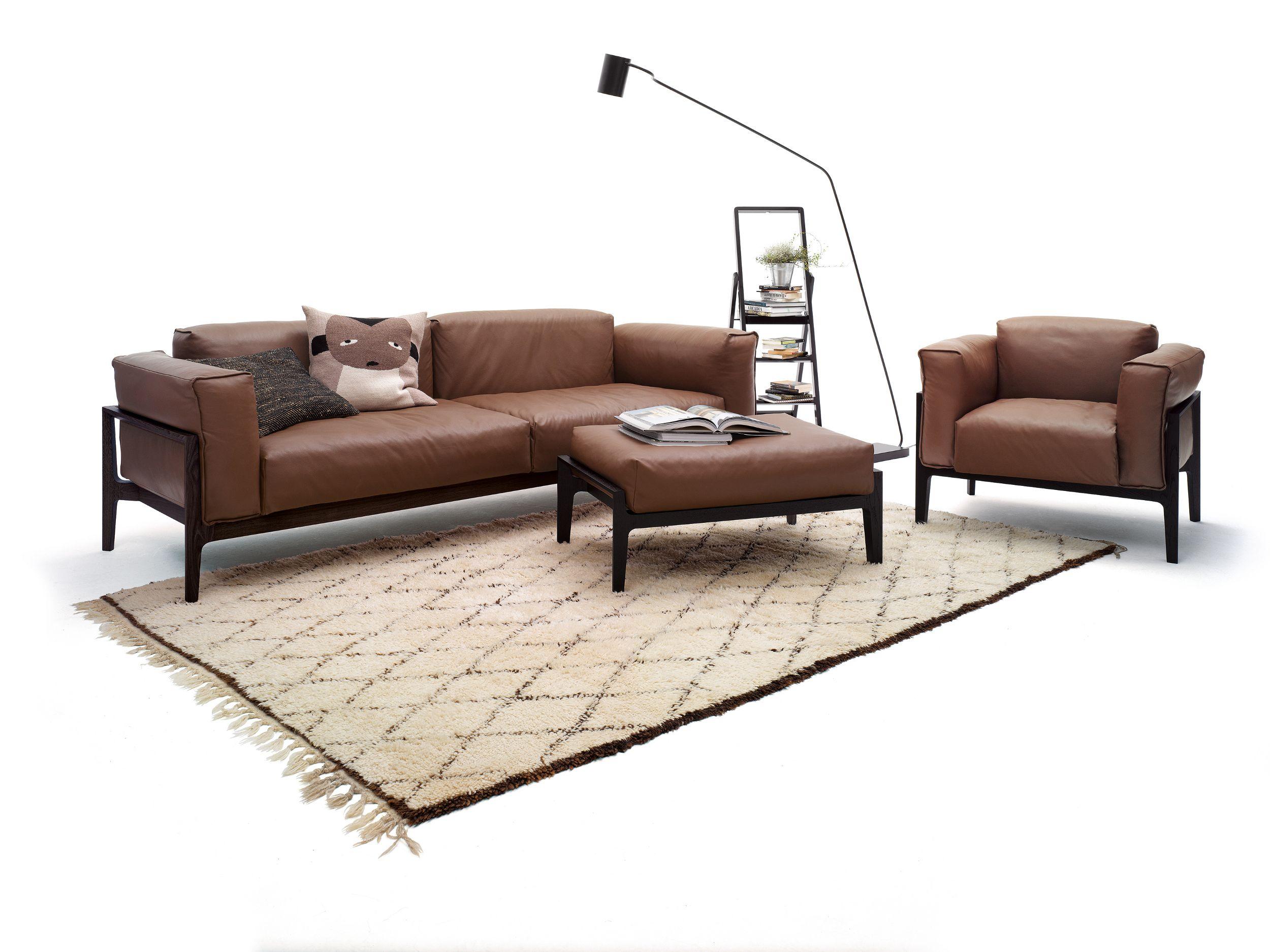 elm sofa aus leder by cor sitzm bel helmut l bke design jehs laub. Black Bedroom Furniture Sets. Home Design Ideas