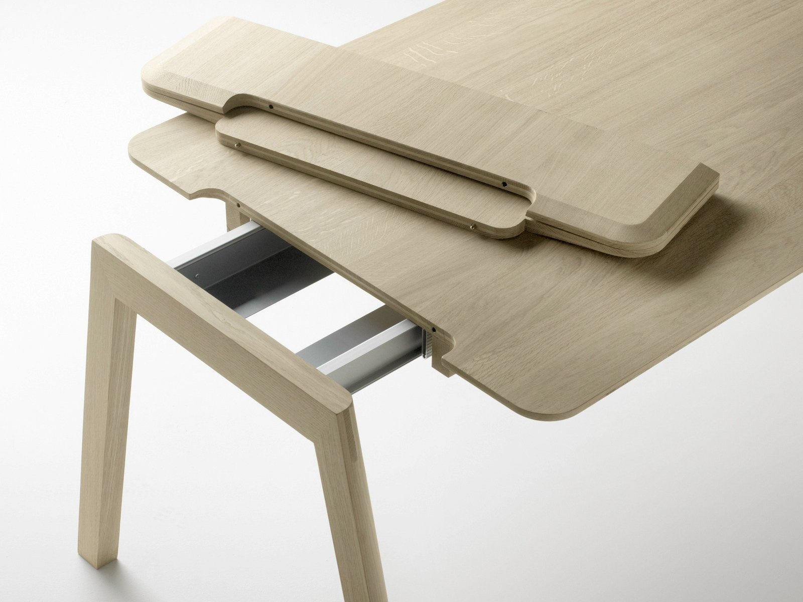heldu ausziehbarer tisch by alki design jean louis iratzoki. Black Bedroom Furniture Sets. Home Design Ideas