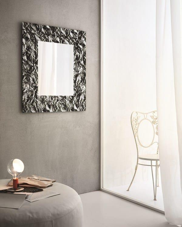 Specchio in stile moderno a parete con cornice per ingresso moon by riflessi design riflessi - Specchio per ingresso moderno ...