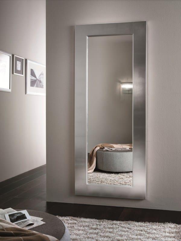 Specchio a parete con cornice URANIA by RIFLESSI design RIFLESSI
