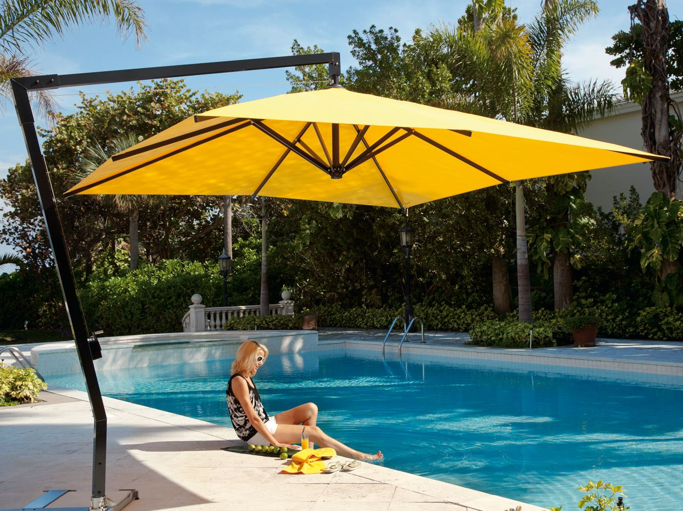 Amalfi square garden umbrella by michael caravita - Recambio tela parasol ...