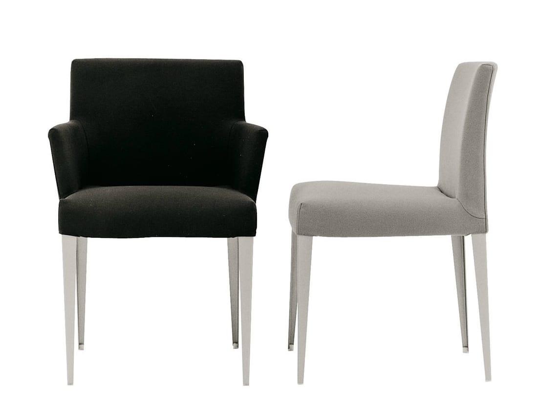 Chaise rembourr e en tissu avec accoudoirs melandra for Mesure d une chaise