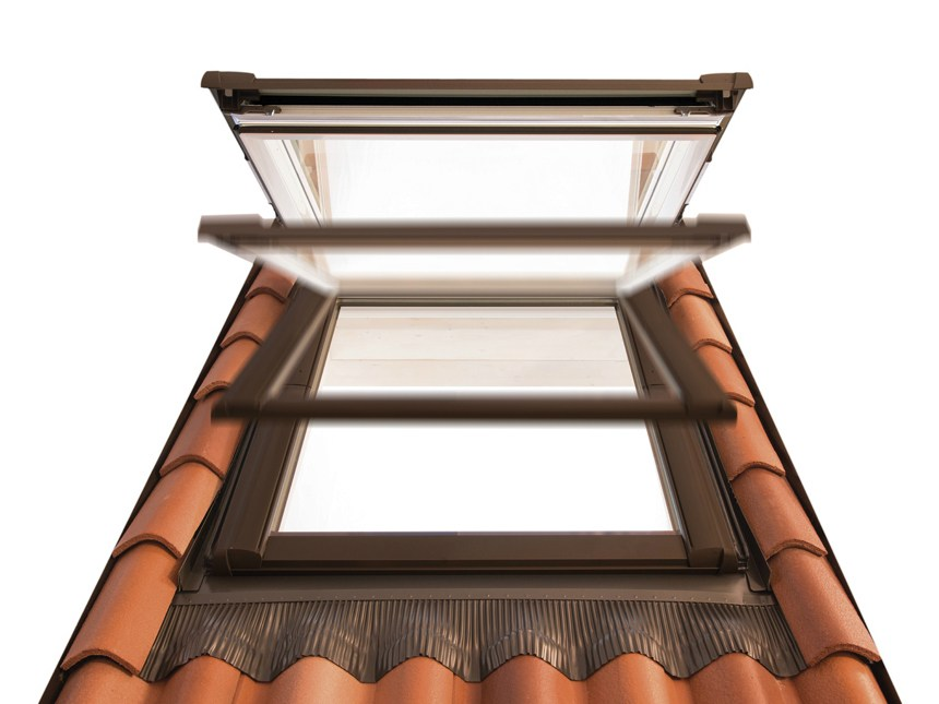 roof window rotocomfort i8 by roto frank italia. Black Bedroom Furniture Sets. Home Design Ideas
