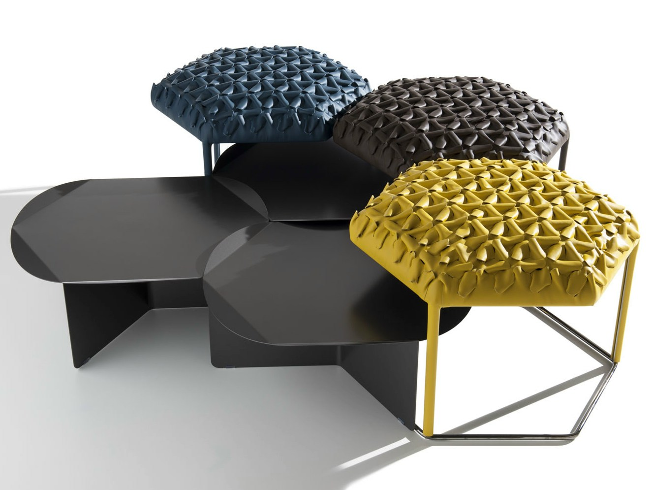 pouf coffee table hive by b b italia design atelier o. Black Bedroom Furniture Sets. Home Design Ideas