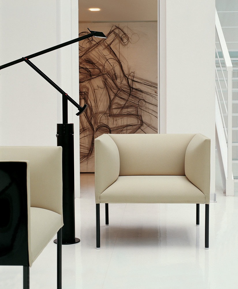 Hollow armchair by b b italia project a brand of b b - Disenos de sofas ...