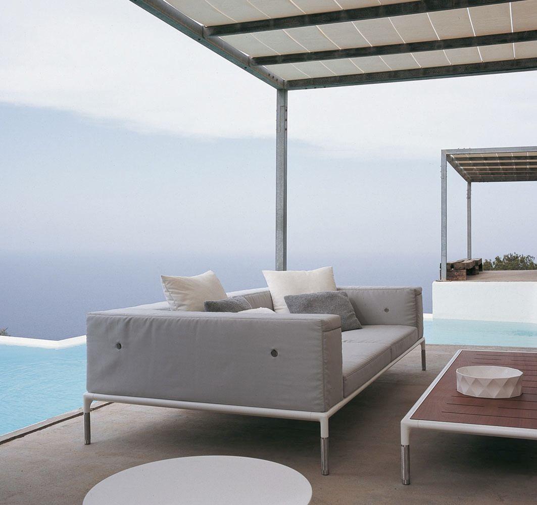 Springtime garden sofa by b b italia outdoor a brand of b for B b italia spa