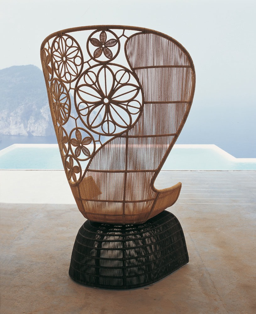 crinoline fauteuil de jardin avec dossier haut by b b italia outdoor a brand of b b italia spa. Black Bedroom Furniture Sets. Home Design Ideas