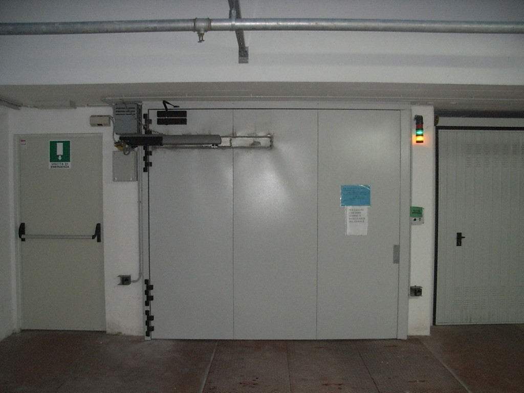 Automatic Fire Doors : Industrial fire stop door by carmec