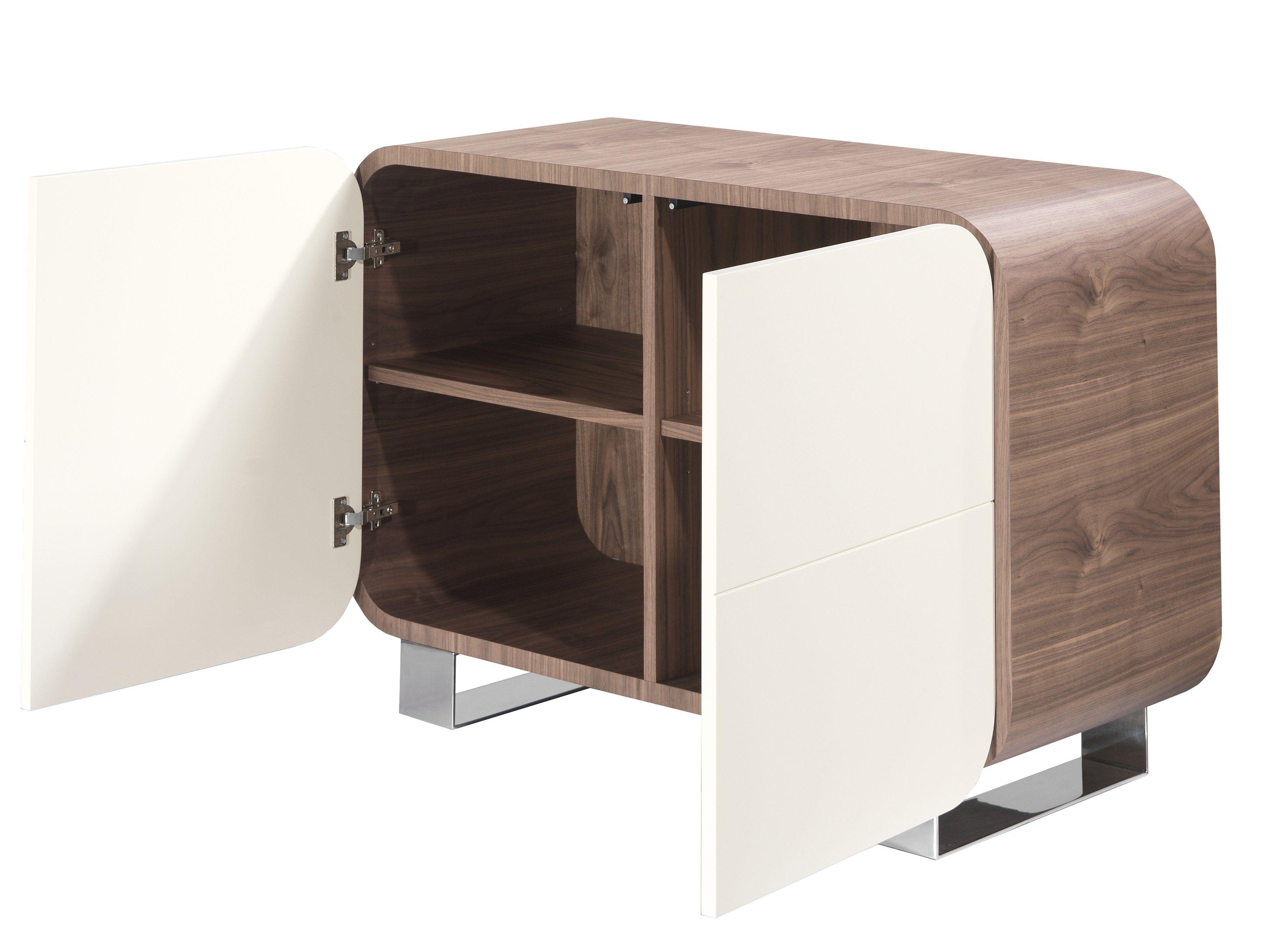 Meuble de rangement laqu avec portes petit marly by azea design victor caetano for Petit meuble audio