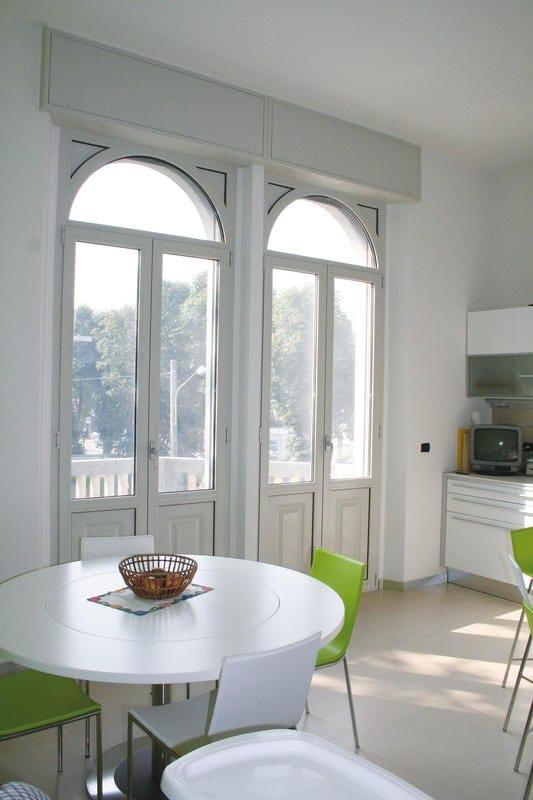 Porta finestra a taglio termico con doppio vetro in alluminio 56 iw serie iw by aluk group - Porta finestra doppio vetro ...