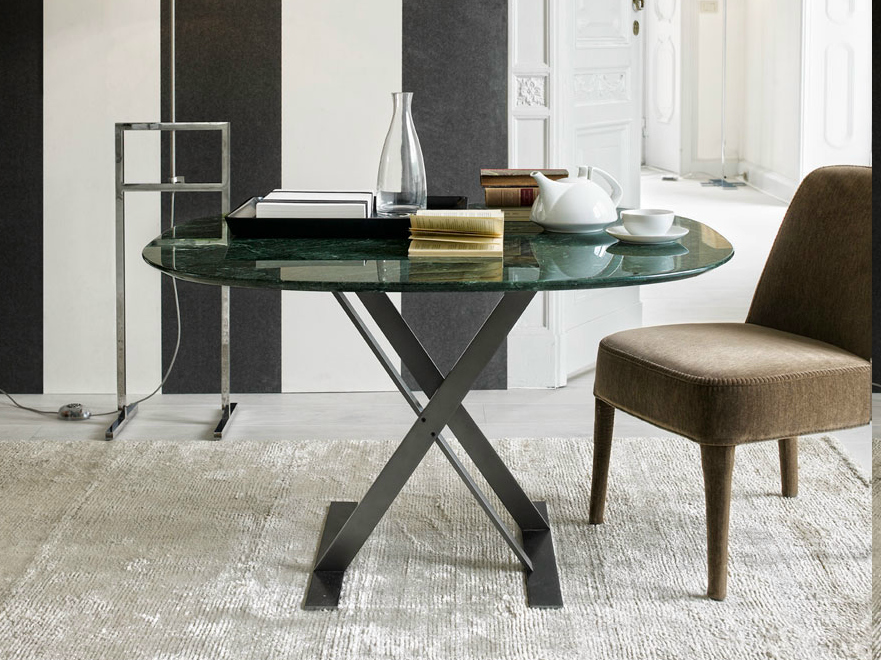 Square marble table pathos collection by maxalto a brand for B b italia spa