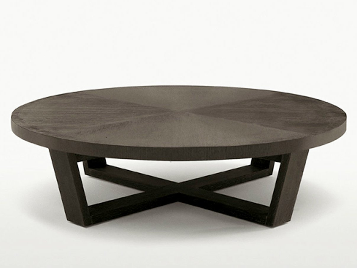 Xilos round coffee table by maxalto a brand of b b italia for Solid wood coffee table