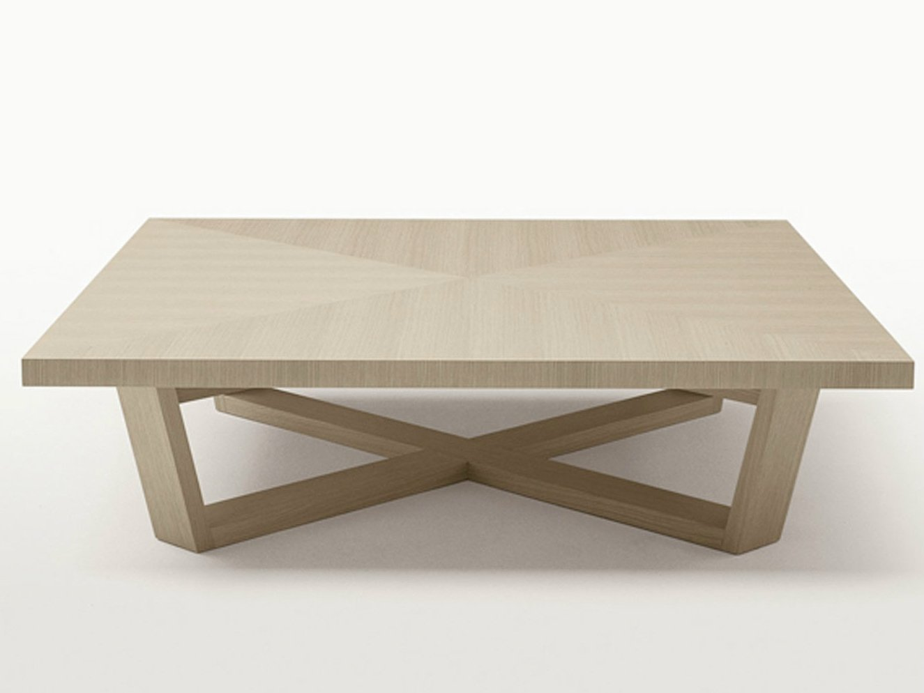 Table basse carr e en bois massif collection xilos by maxalto a brand of b a - Table basse carree bois massif ...