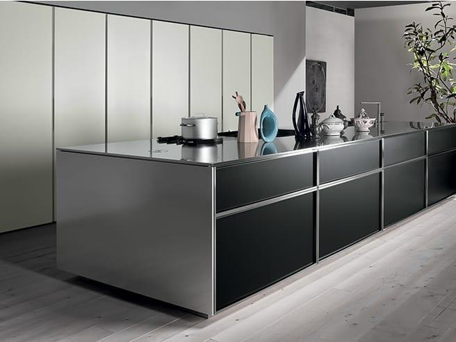 Cucina lineare con isola senza maniglie collezione tk38 by rossana design massimo castagna - Cucina senza maniglie ...